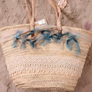 rieten strandtas Ibiza styleTastefulTas.nl blauwe roesjes ak